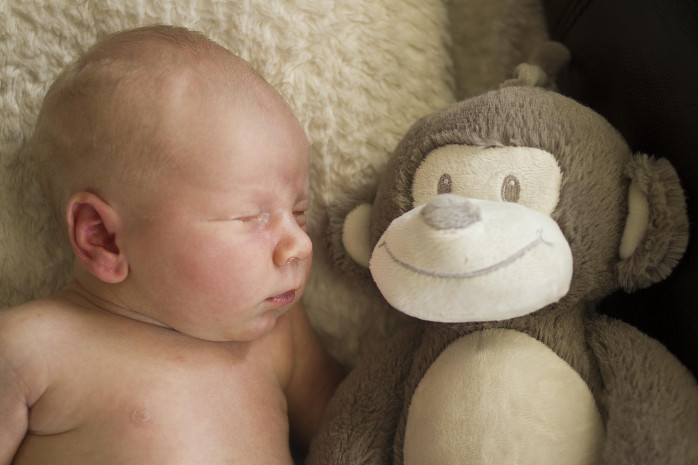 Sommeil du tout petite, 0- 2 ans. Bébé qui se réveille fréquemment. Bébé que ne dort pas.
